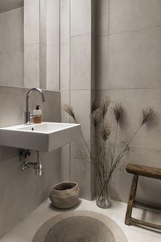 Small Bathroom Inspiration, Bad Inspiration, Bathroom Inspo, Home Decor Inspiration, Minimalist Small Bathrooms, Beddinge, Bathroom Interior Design, Home Renovation, House Doctor