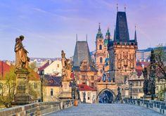 Ponte Carlos, em Praga, na República Tcheca - Leste Europeu.