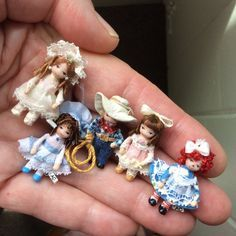dolls Aren't they sweet? Ethel Hicks at makes these tiny little dolls, which she calls Angel Children. Each is about 1 and inches high, so you could use them as dolls in scale, or toddl Tiny Dolls, Cute Dolls, Pretty Dolls, Miniature Crafts, Miniature Dolls, Dollhouse Dolls, Dollhouse Miniatures, Dolls And Dollhouses, Antique Dolls
