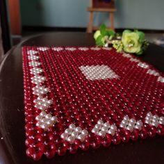 Amazing Paintings, Indian Patterns, Beaded Bags, Bead Jewellery, Pony Beads, Bead Crochet, Bead Art, Pearl Beads, Bead Crafts