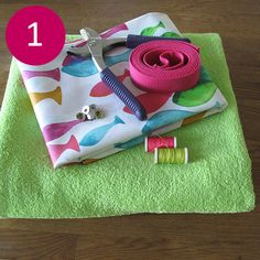 DIY: my beach towel Picnic Blanket, Outdoor Blanket, Textiles, Haberdashery, Boho, Beach Towel, Sewing Patterns, Tote Bag, Creative