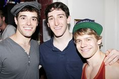 I met the two on the right in NYC. Backstage Corey gets congratulations and love from Newsies supporting players Ben Fankhauser (his real-life childhood buddy) and Andrew Keenan-Bolger. Broadway Nyc, Broadway Theatre, Broadway Shows, Broadway Plays, Ben Fankhauser, Jack Kelly, Music Theater, Cute Actors, Songs To Sing