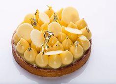 5,144 отметок «Нравится», 45 комментариев — KB-Gourmandises (@karim.bourgi) в Instagram: «Tarte au citron - Pâte sucrée noisettes- confit de citron jaune- Biscuit moelleux citron- ganache…»