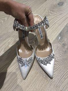 Lurum Manolo Blahnik Off-White Satin Crystal Embellished Mules,Used Once Indoors Wedding Shoes Heels, Prom Shoes, Bridal Shoes, Manolo Blahnik Heels, Manolo Blahnik Shoes Wedding, Fancy Shoes, Sneaker Heels, Luxury Shoes, Beautiful Shoes