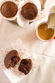 Brioșe cu banane și iaurt | Bucate Aromate Cereal, Food And Drink, Cakes, Breakfast, Kitchen, Banana, Pie, Cuisine, Cake