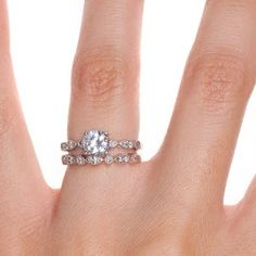 this might be my favorite engagement ring I've ever seen (with a square diamond)