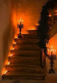 Pretty entrance / stairway idea. Could go well with bats overhead. (Get that black and orange theme join)