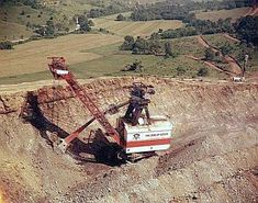 """Giant Shovel on Strip Mine Fight: 1973 Mining Equipment, Heavy Equipment, Surface Mining, Bucyrus Erie, Tonka Toys, Coal Mining, Shovel, Crane, Egypt"