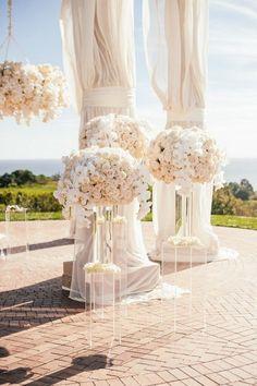 blush wedding flower decor / http://www.deerpearlflowers.com/top-5-romantic-fairytale-wedding-theme-ideas/2/