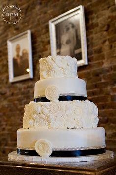 Wedding Cake - Navy Ribbon pearls at the top of ribbon