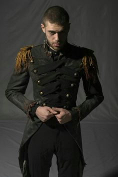 Uniform, steampunk style man in army jacket. to create a cologne as unique as you are:) Best Picture For Steampunk Fashion goggles For Your Taste You are looking for somethi Costume Steampunk, Steampunk Men, Victorian Steampunk, Steampunk Clothing, Steampunk Fashion, Gothic Fashion, Look Fashion, Mens Fashion, Fashion Tips