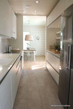 ihana malli keittiössä Tile Flooring, Scandinavian Design, Finland, Kitchen Dining, Kitchens, Decorating Ideas, Future, Inspiration, Home Decor