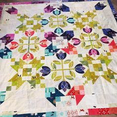 """597 Likes, 48 Comments - Cristy Fincher (@cristycreates) on Instagram: """"I think it's time to finally get this lovely quilted 🌷😍🌷. #dutchdarlingsquilt #cristyfincherdesigns…"""""""