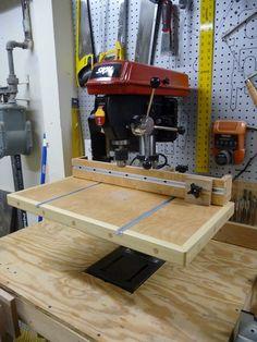 Drill Press Auxiliary Table by lolita Woodworking Drill Press, Woodworking Workshop, Woodworking Jigs, Woodworking Projects, Drill Press Table, Bench Press, Shop Cabinets, Workshop Organization, Workshop Ideas
