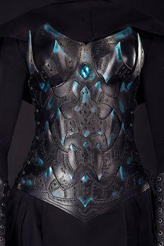 Dark Elf Brust & zurück - Warrior Lady Korsett - Rüstung weibliche Leder Kürass – Handarbeit – nach Maß