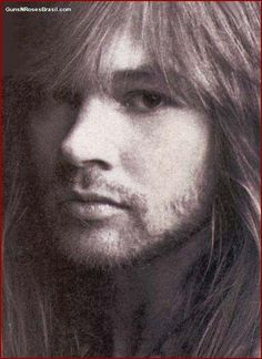Awesome picture of Axl!!