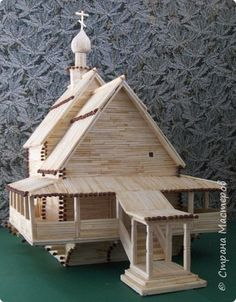 Creativity of people # creativity # crafts # lawsuit. Popsicle House, Popsicle Stick Houses, Matchstick Craft, Diy Popsicle Stick Crafts, Wooden Castle, Clothespin Art, Small Wooden House, House Template, Bird Houses Diy