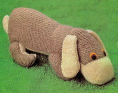 VINTAGE 1970s LYiNG DoWN BRoWN DOG CuDDLY Soft Toy FaRM Or PeT Animal ChiLDRen'S Adorable-47 Cm's Tall- 4 Ply - Knitting PDF Instant Pattern