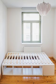 Hochbett bauen f r Kinder - Ikea Hack The Krauts Hochbett bauen f r Kinder - Ikea Hack The Krauts Bedroom Storage Ideas For Clothes, Bedroom Storage For Small Rooms, Diy Storage Bed, Storage Hacks, Ikea Furniture Hacks, Ikea Hacks, Diy Platform Bed, Ikea Bed, My New Room