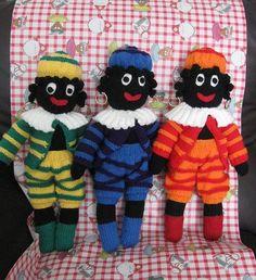 Gebreide Zwarte Pietjes. Gratis patroon. Knitted Dolls, Crochet Toys, Food Crafts, Diy Crafts, Womans Weekly, Saint Nicholas, Yarn Bombing, Needle Felting, Lana