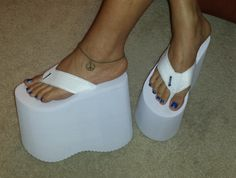 Platform Flip Flops, Wedge Flip Flops, Platform Shoes, Sexy Heels, High Heels Stilettos, Lady Gaga Shoes, Foot Pics, Feet Soles, Womens Flip Flops
