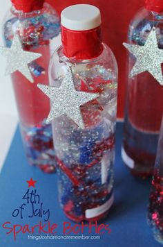 of July sparkle bottles are cool of July crafts for the kids to make! They will be playing with them all summer! (Cool Crafts For Summer) 4th July Crafts, Fourth Of July Crafts For Kids, Patriotic Crafts, 4th Of July Party, July 4th, Patriotic Party, 4th Of July Ideas, 4th Of July Games, Daycare Crafts
