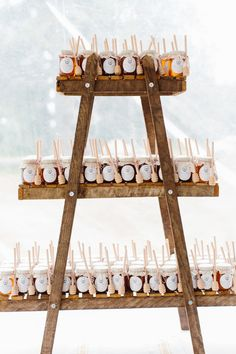 Mini honey jar wedding favors: Photography: Erin McGinn - http://www.erinmcginn.com/