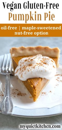 Vegan Pumpkin Pie that's creamy, perfectly spiced, and light enough to enjoy anytime! Recipes vegan Vegan Gluten-Free Pumpkin Pie (oil-free, too! Gluten Free Pumpkin Pie, Healthy Pumpkin Pies, Vegan Pumpkin Pie, Vegan Pie, Pumpkin Pie Recipes, Spiced Pumpkin, Vegan Dessert Recipes, Vegan Sweets, Gourmet Recipes