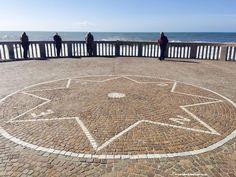 Lido di Ostia: Compass rose https://aladyinrome.com/2017/02/17/%EF%BB%BFa-winter-walk-in-lido-di-ostia-with-lady/ #ostia #compassrose #rome #aladyinrome #visitrome