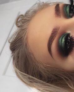 Eyeshadow Looks Morphe Brushes x Kathleen Lights Morphe Brushes Sapphire (GE. Morphe Pinsel x Kathleen Lights Morphe Pinsel Sapphire (GEORGIAH für off) roller lash Makeup Eye Looks, Makeup For Green Eyes, Cute Makeup, Eyeshadow Looks, Gorgeous Makeup, Eyeshadow Makeup, Eyeliner, Makeup Brushes, Metallic Eyeshadow