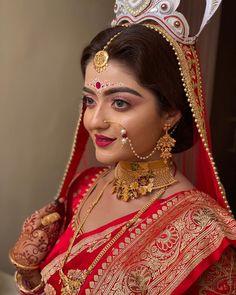 Bengali Bridal Makeup, Bengali Wedding, Bengali Bride, Indian Bridal Lehenga, Bridal Makeup Looks, Indian Bridal Outfits, Indian Bridal Fashion, Bride Makeup, Bridal Looks