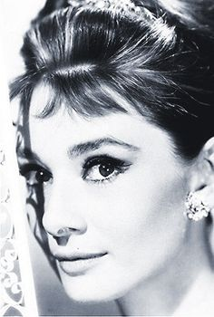 Photo of Audrey for fans of Audrey Hepburn 838261 Audrey Hepburn Born, Audrey Hepburn Photos, Vintage Hollywood, Hollywood Glamour, Classic Hollywood, Viejo Hollywood, Classic Beauty, Iconic Beauty, Ageless Beauty