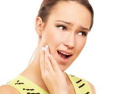 Sakit gigi atau nyeri pada gigi ialah keadaan sulit yang paling membuat dongkol, seseorang yang menderita sakit gigi lazimnya akan mengalami pusing, gampang naik darah, tak dapat tidur dan demam. Gigi berlubang adalah salah satu unsur yang dapat menyebabkan sakit gigi, oleh maka dalam lubang gigi hal yang demikian terdapat pelbagai macam-macam bakteri dan kuman yang jahat.