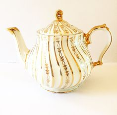 Large Vintage Tea Pot  Sadler England  White by BeauTeaStudio