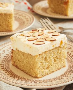 Brown Butter Almond Cake with Apricot Whipped Cream is such a lovely, nutty, sweet, and delicate cake. What an amazing flavor combination! - Bake or Break ~ http://www.bakeorbreak.com