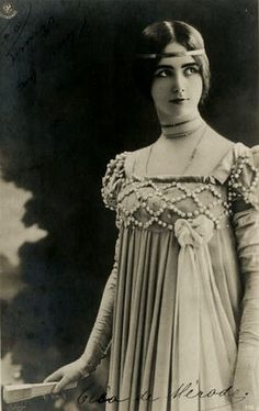 Cléo de Mérode, Parisian ballerina and trend setter (late 1890s). Her life story has a bit of drama-King Leopold of Belgium fell is love with her after seeing her dance!-so this may be a vintage beauty who merits more research...hmmmmmm...