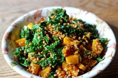 Einka Salad w/Tuscan Kale & Butternut Squash. Our friend Tucker Tucker Tucker Dieterle Catering created this recipe to highlight our Einka Farro for Godden Godden ♥ Taylor mnsar Saad & Wine. Healthy Eating Recipes, Delicious Vegan Recipes, Healthy Cooking, Vegetarian Recipes, Wine Recipes, Real Food Recipes, Salad Recipes, Vegetable Sides, Vegetable Recipes