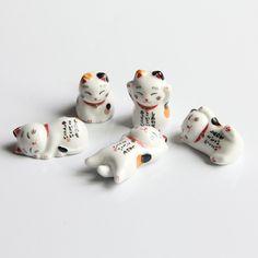 Pack of 5 pcs Ceramic Lucky Cat Chopsticks Holder Japanese Home Hotel Ceramics Cute