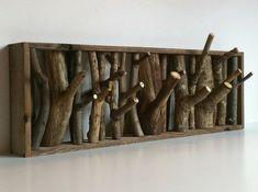 kreative-bastelideen-wandgarderobe-selber-bauen-baumzweige - weiße wand