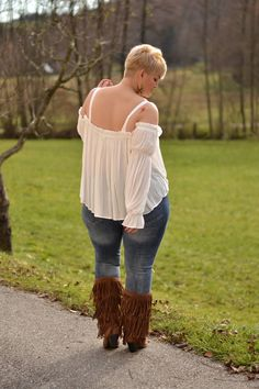 Curvy Claudia: Sheer Blouse and Fringe Boots