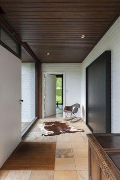 silver-pavilion:      House VVK     Source   SP