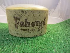 Vintage Faberge WOODHUE Perfume Dusting Bath Body Powder 5 oz Used