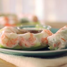 Remember the noodles cooked in Broth.veg in a sweet/spice sauce (Num sauce)A light and refreshing snack or meal, these shrimp spring rolls w/ a spicy peanut sauce are super delicious and easy to make! Seafood Dishes, Seafood Recipes, Cooking Recipes, Shrimp Spring Rolls, Easy Spring Rolls, Shrimp Egg Rolls, Asian Recipes, Healthy Recipes, Yummy Food