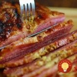 With the adaptability of an Omelette, it's no surprise this dish is a favorite around the world. Made from eggs, a little cooking oil or butter and your preferred fillings, Omelettes aren't just for breakfast. Irish Recipes, Meat Recipes, Baking Recipes, Recipies, Corned Beef, Beef Recipe Baked, Good Food, Yummy Food, Honey Mustard