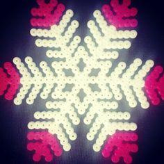 Snowflake hama perler by evacharliehr