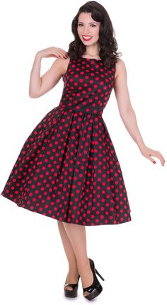 This gorgeous pin up girl style dress has been cut to compliment your curves! The retro frock features a lovely flattering fitted bodice, simple bateau neckline, full swinging skirt with box pleats and a super stylish polka dot print. The retro dress Rockabilly Dress, Mode Rockabilly, Retro Dress, Dresses Uk, Nice Dresses, Fashion Dresses, Robe Swing, Swing Dress, Pin Up
