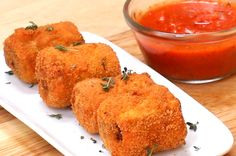 Get Your Next Dinner Party Poppin' With These Lasagna Poppers