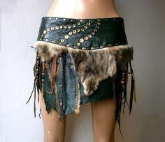 Dream Warriors vert jupe en cuir avec fourrure, frange & perles. Apocalyptique tribal païen vaudou barbare viking wiccan guerrier larp costume elf