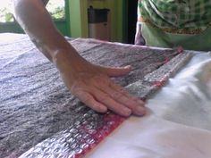 Onalaer te propone aprender técnicas de fieltro desde tu casa Old Sweater, Felting Tutorials, Home, Felting, Tutorials, Tejidos