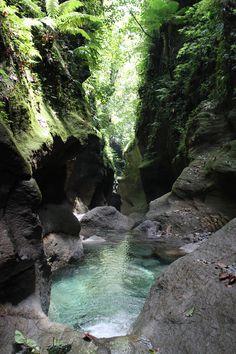 Titou Gorge, Domenica